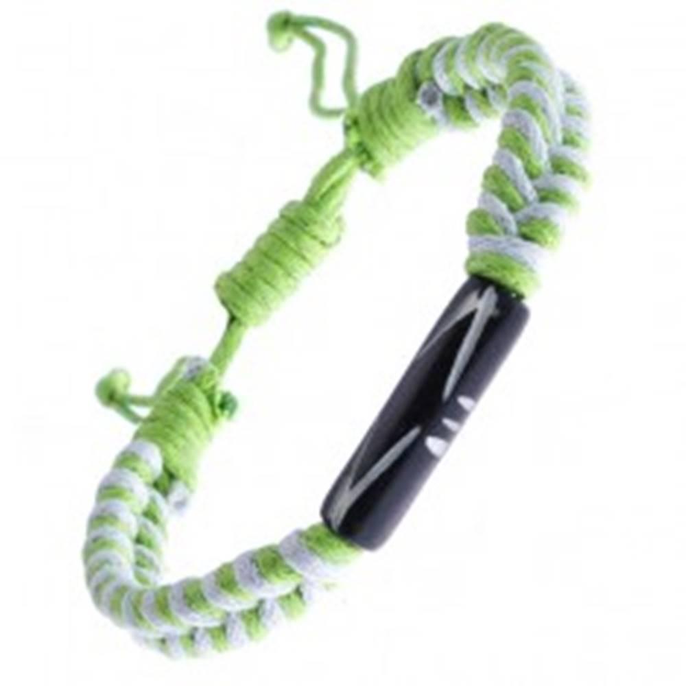 Šperky eshop Pletený náramok zo šnúrok - bielo-zelený, vyrezávaný valček