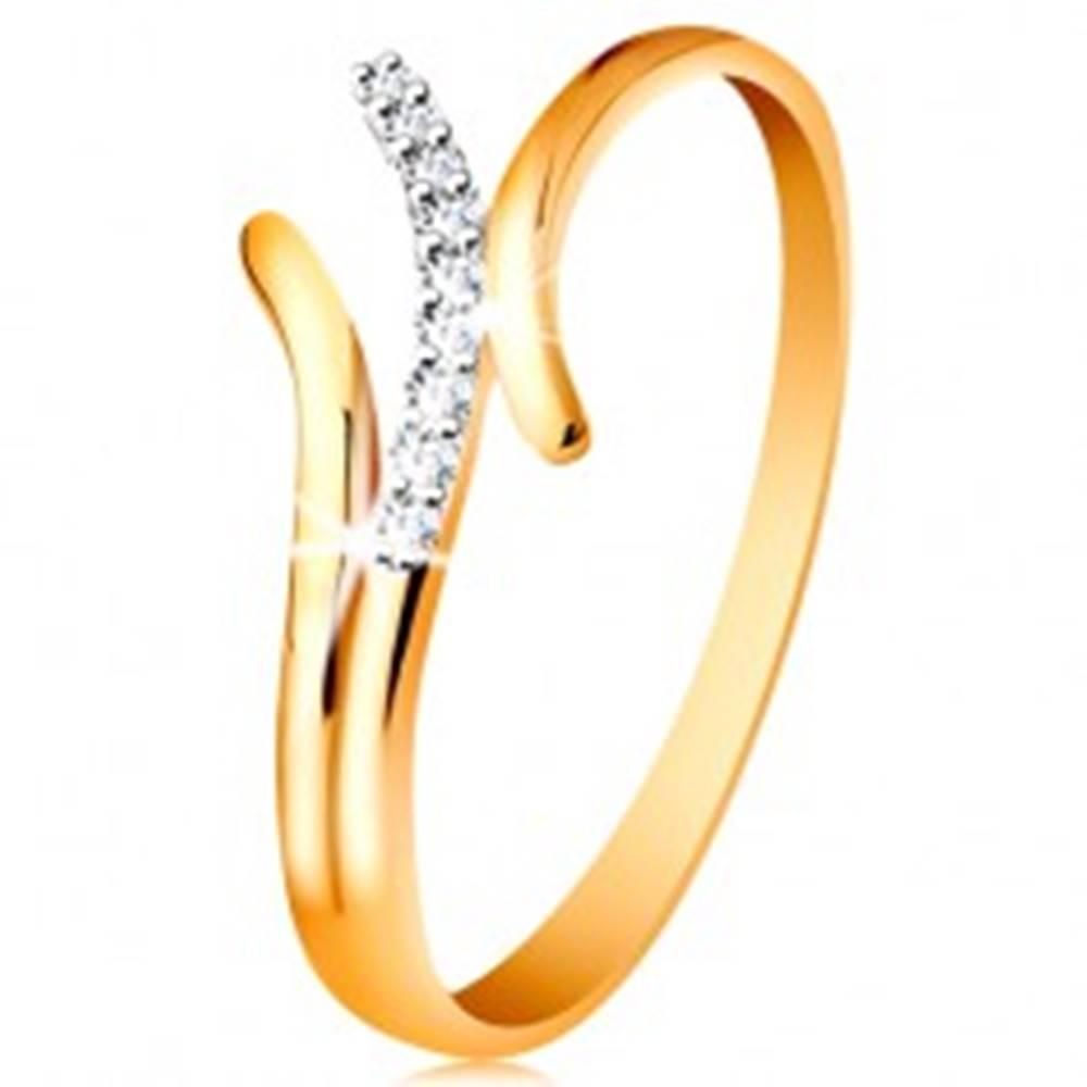 Šperky eshop Prsteň v 14K zlate, zvlnené dvojfarebné línie ramien, vsadené číre zirkóniky - Veľkosť: 49 mm
