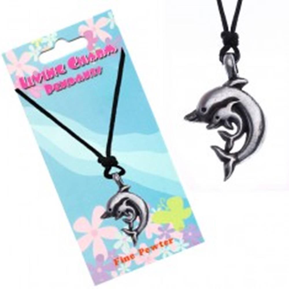Šperky eshop Šnúrkový náhrdelník s príveskom dvoch delfínov