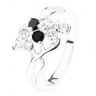 Oceľový prsteň striebornej farby, číre a čierne zirkóny, prepletené ramená - Veľkosť: 54 mm