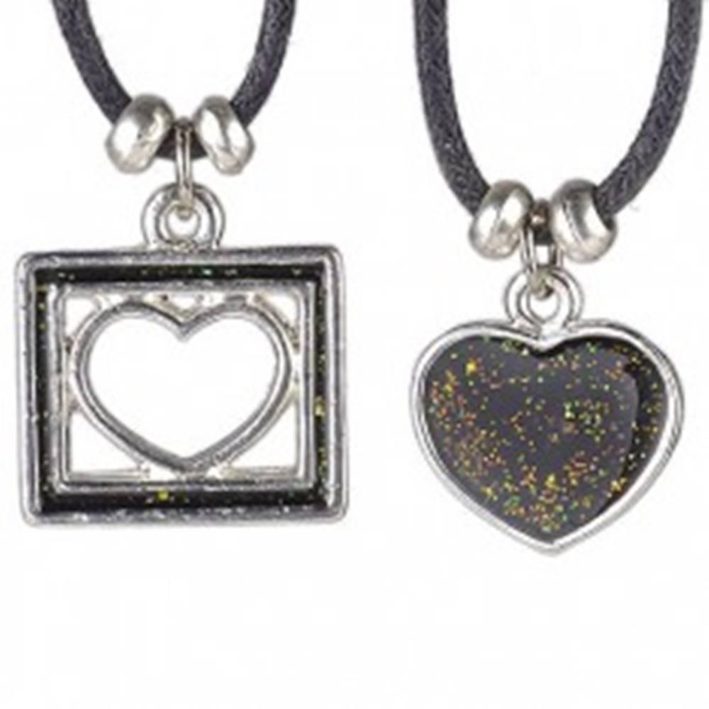Šperky eshop Náhrdelník dve srdcia - plné a vo štvorčeku