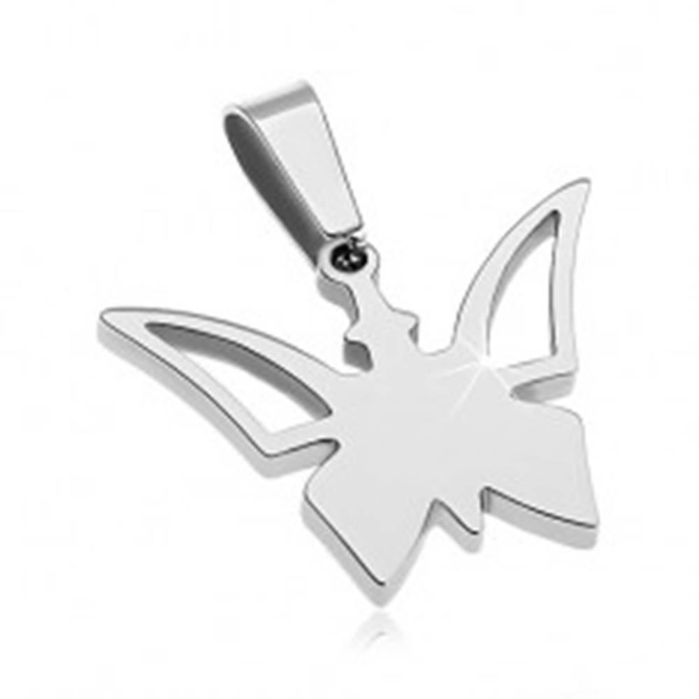 Šperky eshop Prívesok z chirurgickej ocele striebornej farby, motýlik s výrezmi na krídlach