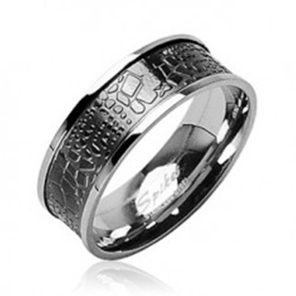 Šperky eshop Prsteň z chirurgickej ocele - krokodília koža - Veľkosť: 58 mm