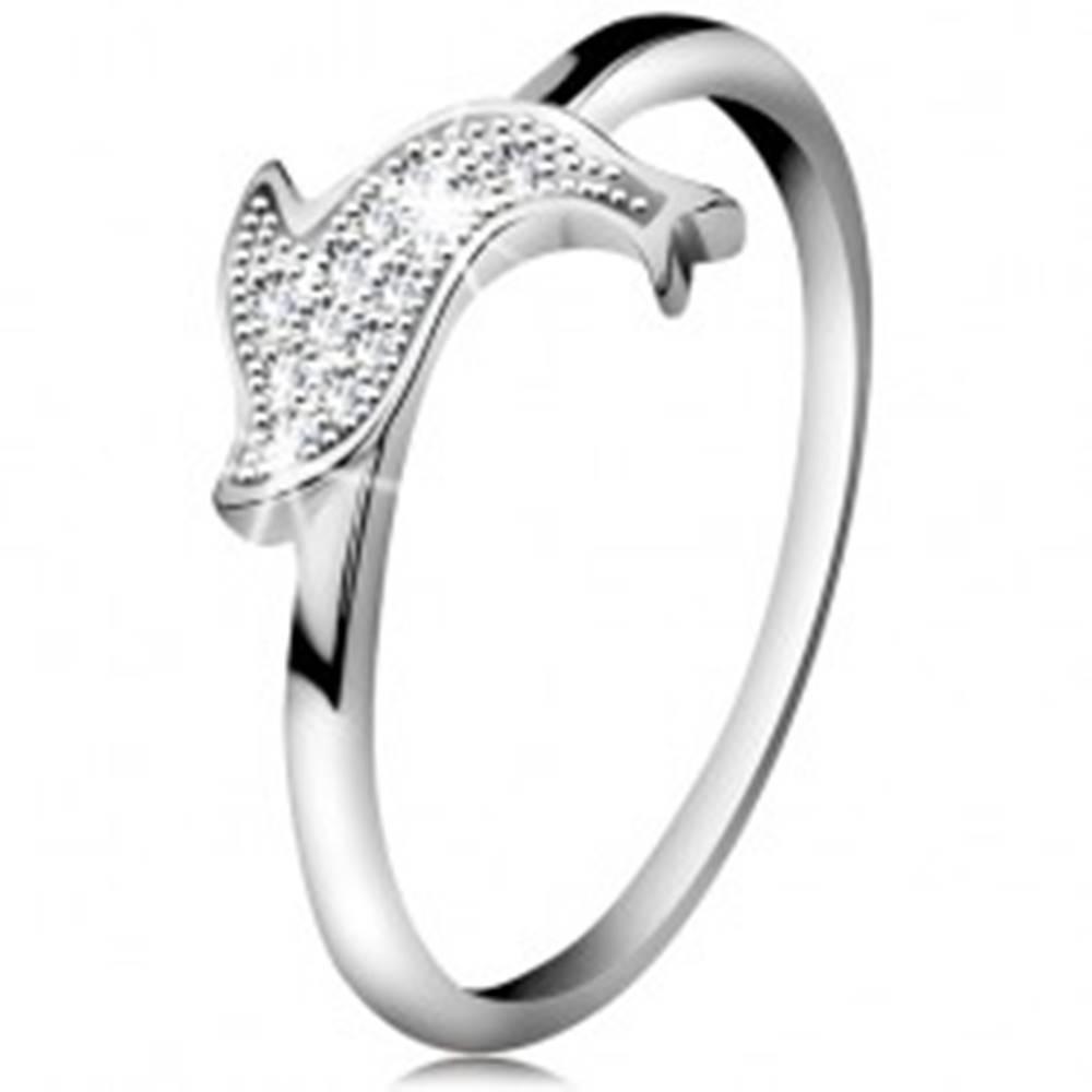 Šperky eshop Prsteň zo striebra 925, ligotavý skáčuci delfín, drobné číre zirkóny - Veľkosť: 48 mm