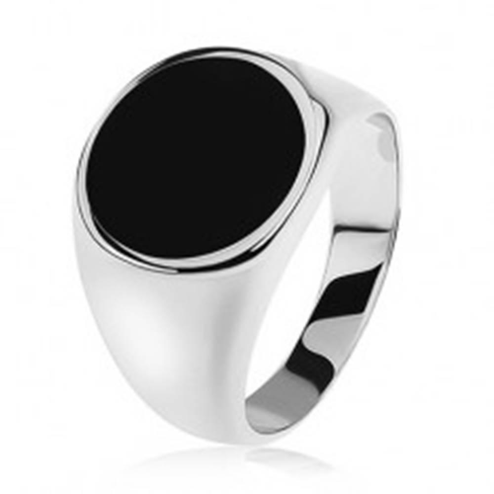 Šperky eshop Prsteň zo striebra 925, zrkadlovolesklé ramená, čierny glazúrovaný kruh - Veľkosť: 54 mm