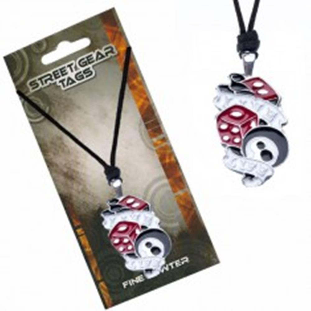 Šperky eshop Trojfarebný náhrdelník na šnúrke - kocky, guľa, nápis Live Life