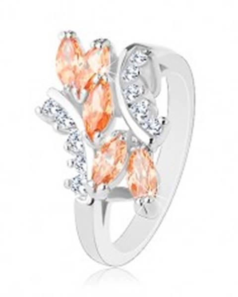 Šperky eshop Ligotavý prsteň v striebornom odtieni, oranžové zrnká, číre zirkóniky - Veľkosť: 57 mm