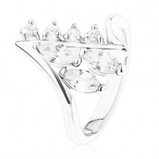 Lesklý prsteň striebornej farby, zahnuté konce ramien, číre zirkóny - Veľkosť: 48 mm