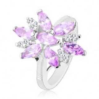 Prsteň v striebornej farbe, veľký kvet zo svetlofialových a čírych zirkónov - Veľkosť: 49 mm