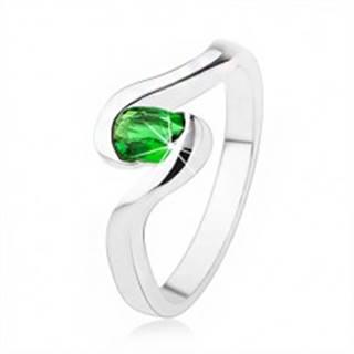 Zásnubný strieborný prsteň 925 - zvlnené ramená, tmavozelený oválny kamienok - Veľkosť: 49 mm