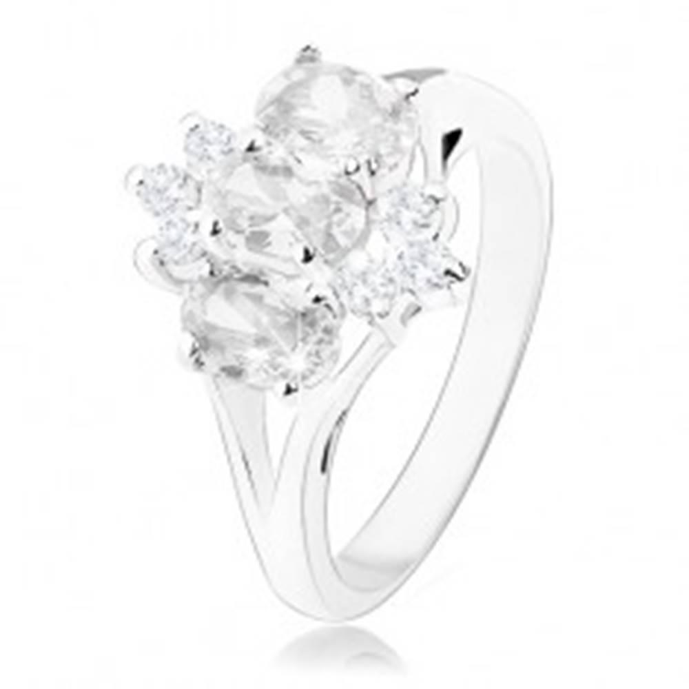 Šperky eshop Ligotavý prsteň v striebornom odtieni, oválne a okrúhle zirkóny čírej farby - Veľkosť: 49 mm