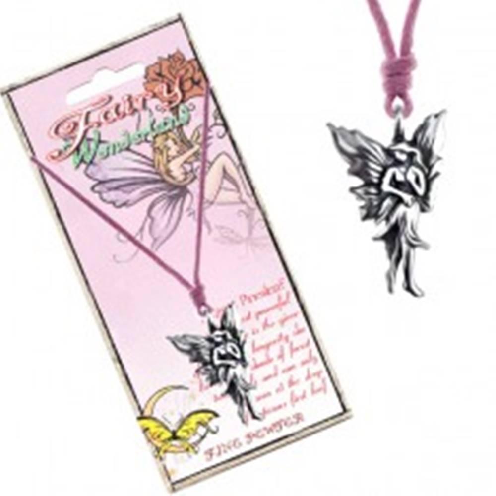Šperky eshop Náhrdelník so šnúrkou a kovovým príveskom kráčajúcej víly