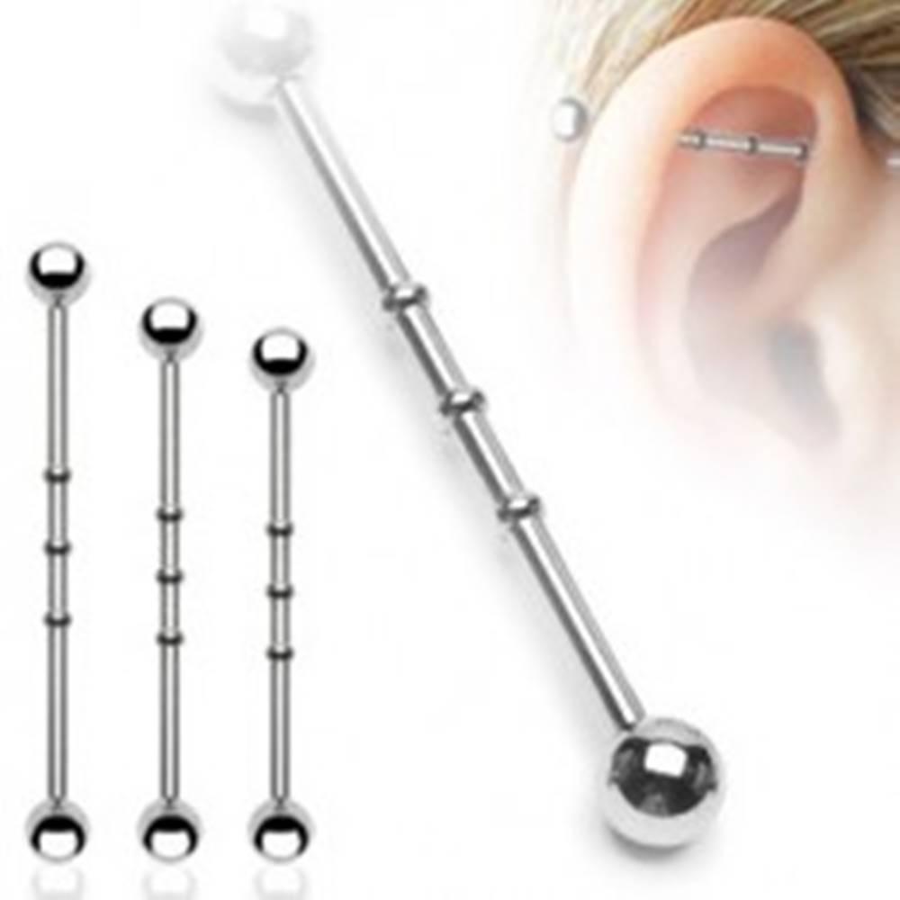 Šperky eshop Oceľový piercing do ucha - činka, vrúbkované zárezy, guličky