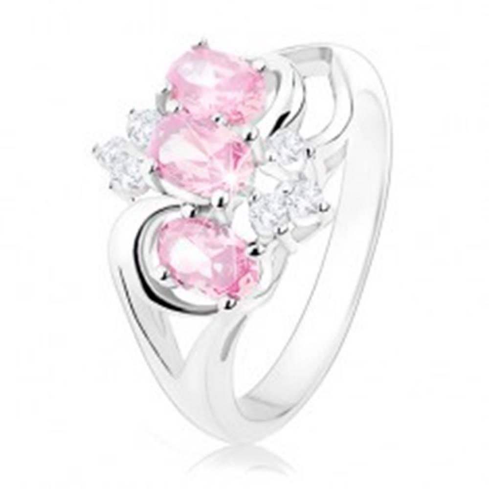 Šperky eshop Prsteň striebornej farby, rozdelené ramená, ružové ovály, číre zirkóniky - Veľkosť: 49 mm