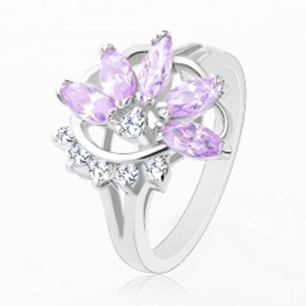 Šperky eshop Prsteň striebornej farby, svetlofialový zirkónový kvet, číre zirkóniky - Veľkosť: 48 mm