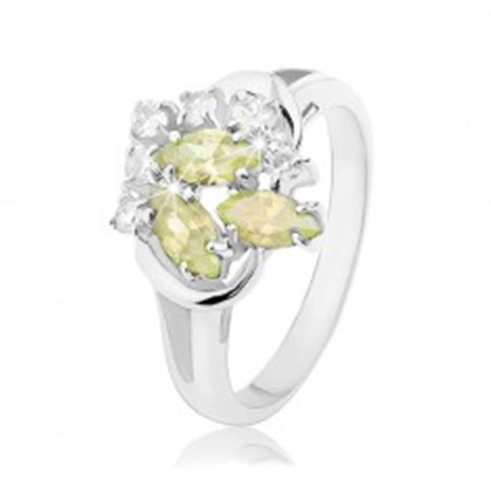 Šperky eshop Prsteň v striebornom odtieni, svetlozelené a číre zirkóny, lesklé oblúčiky - Veľkosť: 48 mm