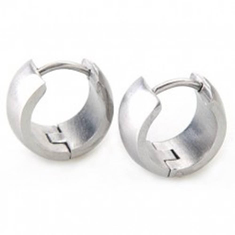 Šperky eshop Širšie okrúhle náušnice z ocele striebornej farby, zrkadlový lesk