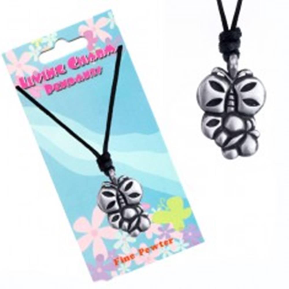 Šperky eshop Šnúrkový náhrdelník s kovovým príveskom dvoch motýľov
