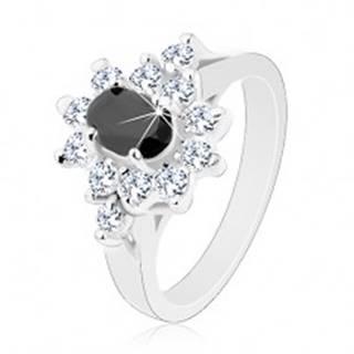 Lesklý prsteň striebornej farby, čierny zirkónový ovál s lemom čírej farby - Veľkosť: 49 mm