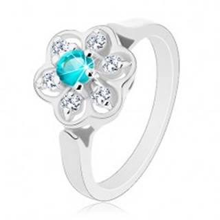 Trblietavý prsteň zdobený čírym kvietkom so zirkónom svetlomodrej farby - Veľkosť: 51 mm