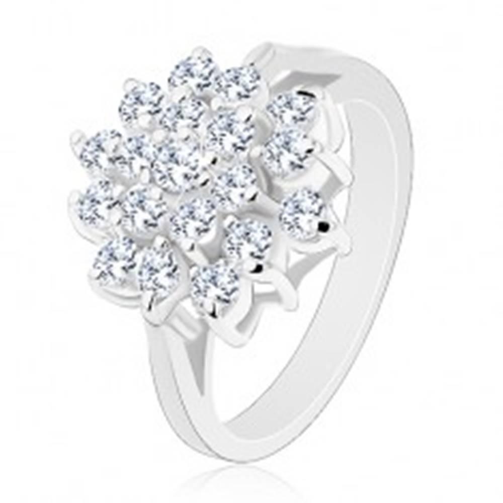 Šperky eshop Lesklý prsteň v striebornej farbe, veľký kvet z okrúhlych čírych zirkónikov - Veľkosť: 50 mm