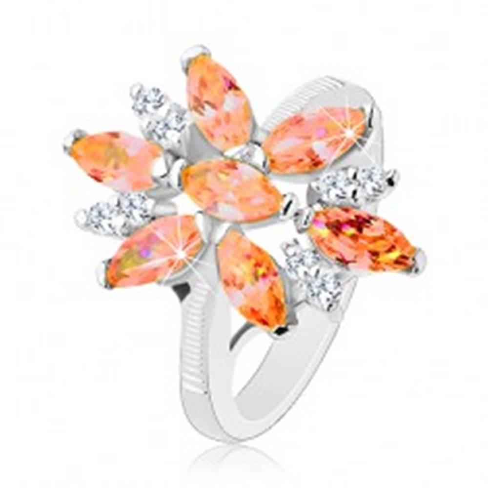 Šperky eshop Ligotavý prsteň v striebornej farbe, veľký kvet z oranžových a čírych zirkónov - Veľkosť: 50 mm