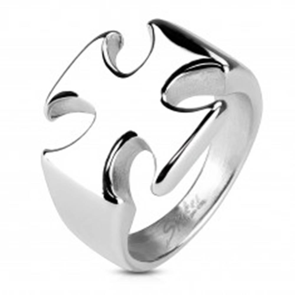 Šperky eshop Masívny prsteň z chirurgickej ocele, hladký lesklý maltézsky kríž - Veľkosť: 59 mm