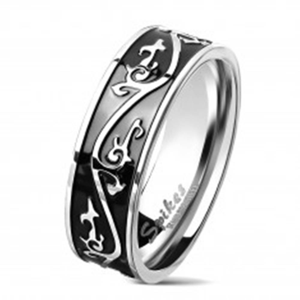 Šperky eshop Obrúčka z chirurgickej ocele striebornej farby, čierny pás zdobený ornamentom, 7 mm - Veľkosť: 60 mm