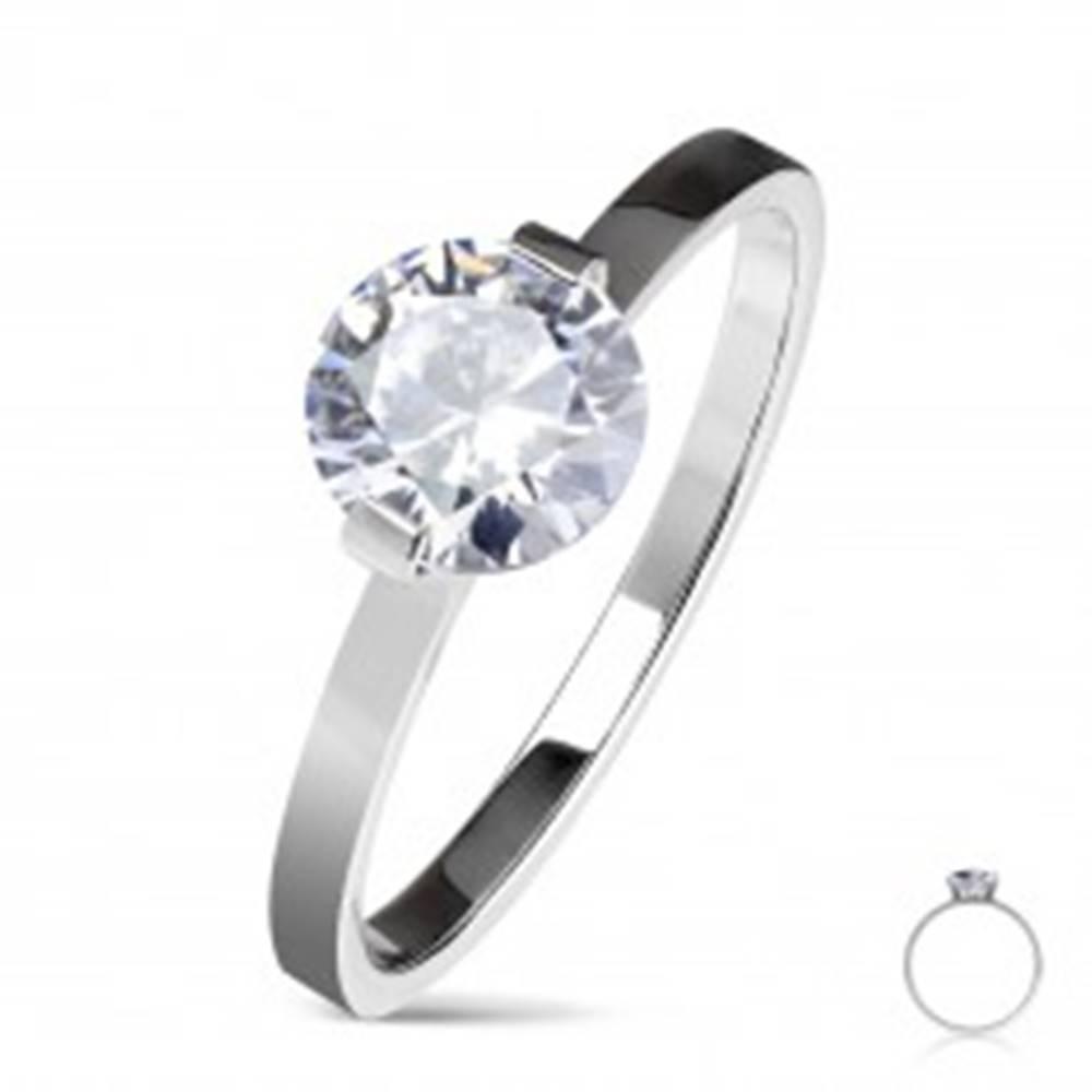 Šperky eshop Oceľový zásnubný prsteň striebornej farby, okrúhly číry zirkón, lesklé ramená - Veľkosť: 50 mm