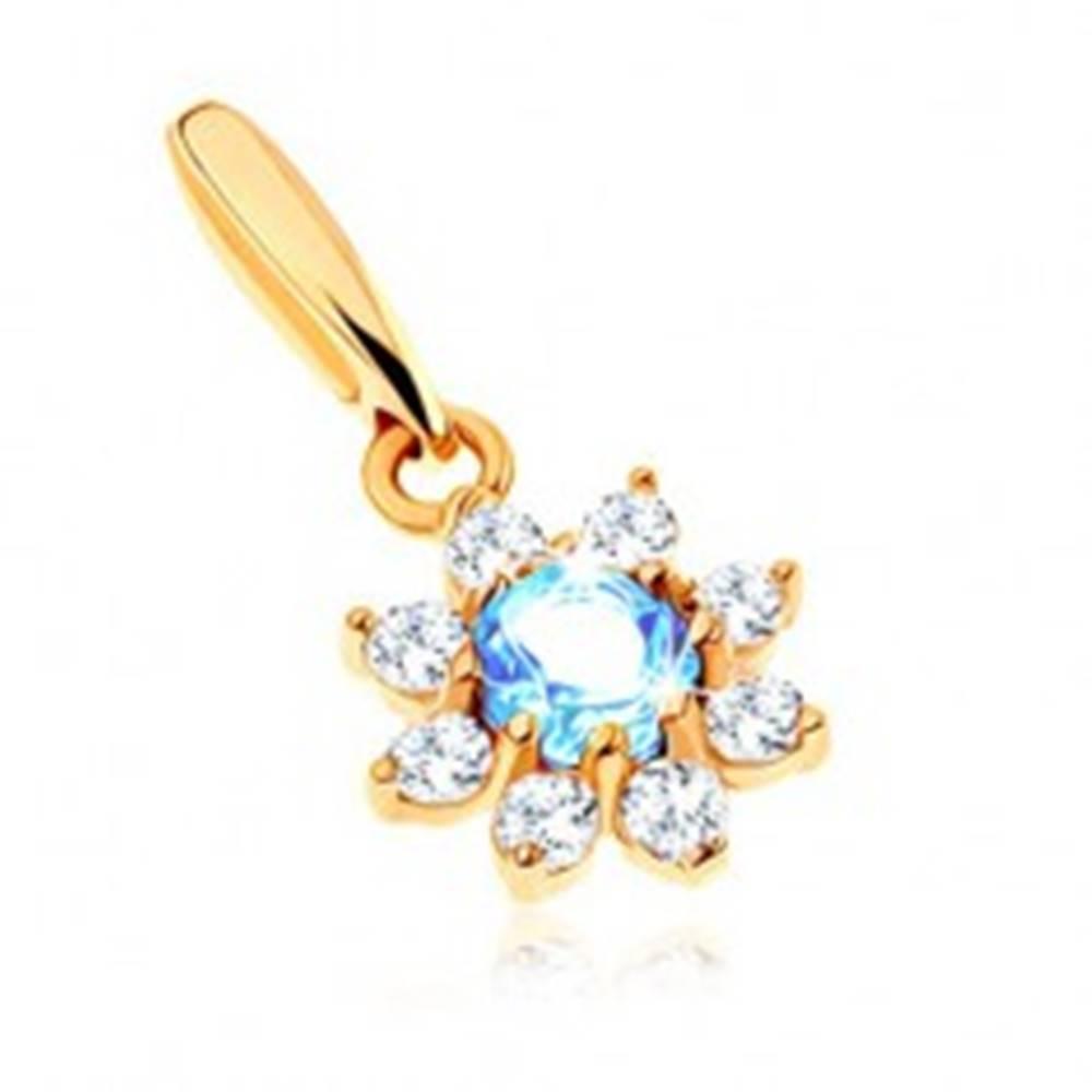 Šperky eshop Prívesok zo žltého 9K zlata - kvet s modrým topásom, číre zirkónové lupene