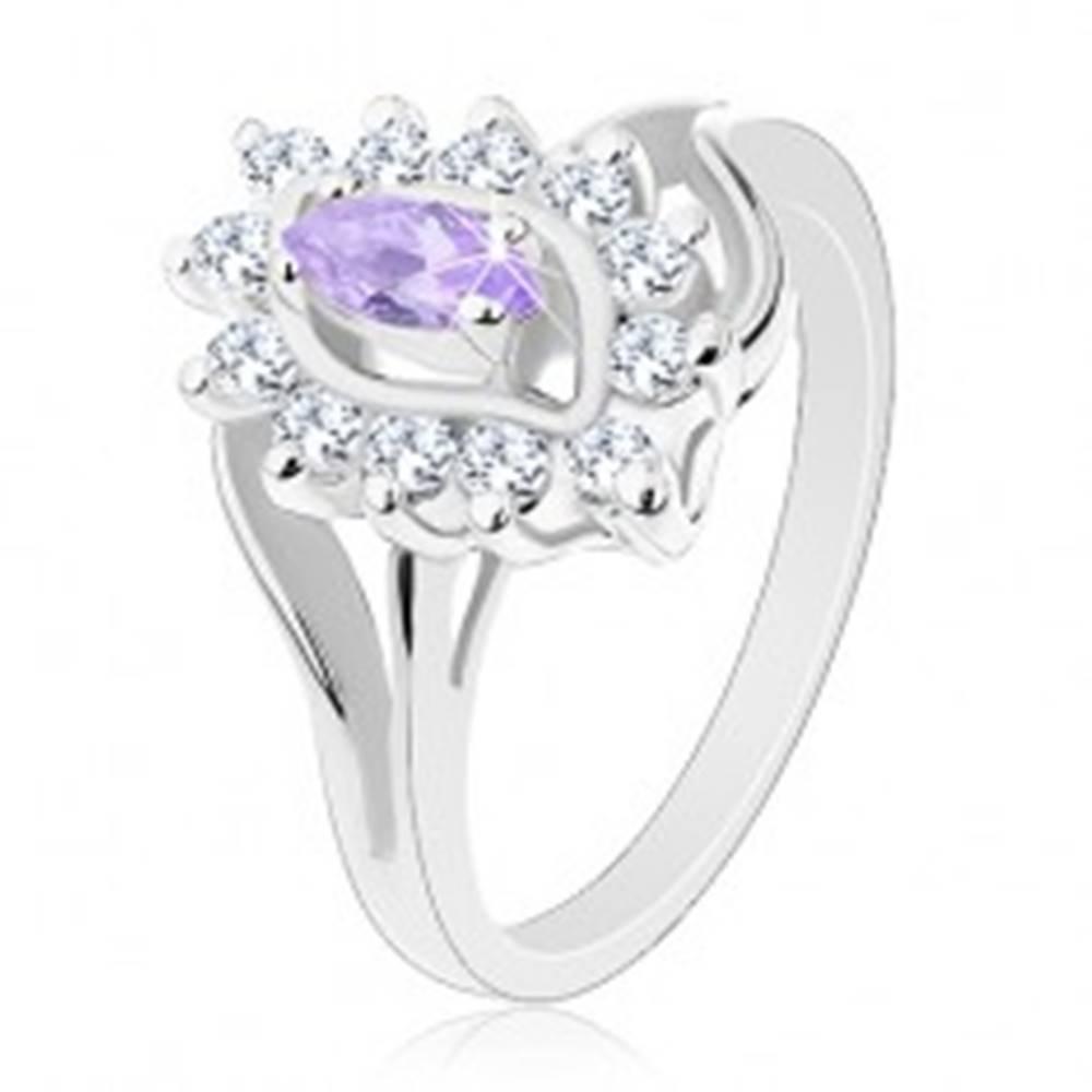 Šperky eshop Prsteň striebornej farby, rozdvojené ramená, svetlofialové zrnko, číry lem - Veľkosť: 54 mm