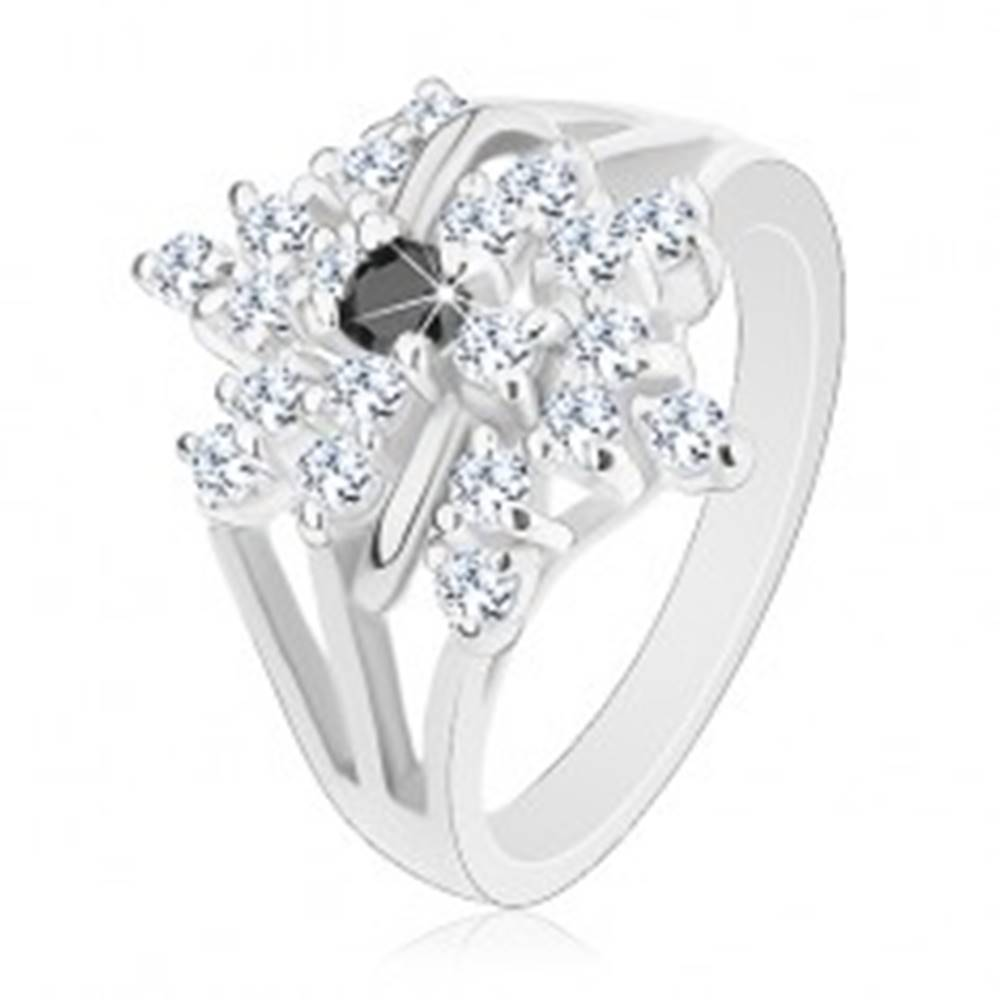 Šperky eshop Prsteň striebornej farby, rozvetvené ramená, číry kvet, čierny zirkónik - Veľkosť: 49 mm