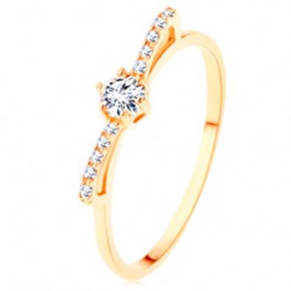Šperky eshop Prsteň v žltom 14K zlate - ligotavá zirkónová mašlička čírej farby - Veľkosť: 49 mm