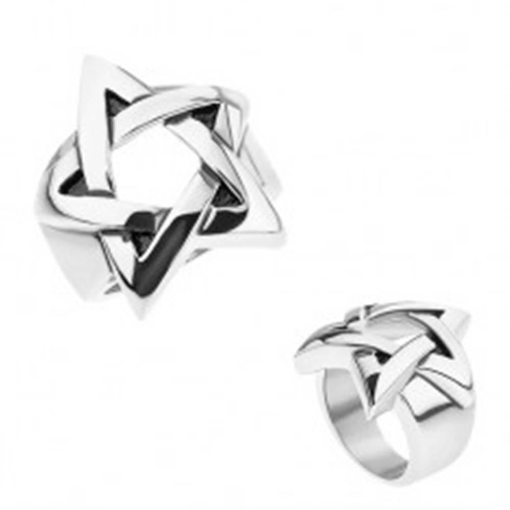 Šperky eshop Prsteň z chirurgickej ocele, strieborná farba, patinovaný pentagram - Veľkosť: 56 mm