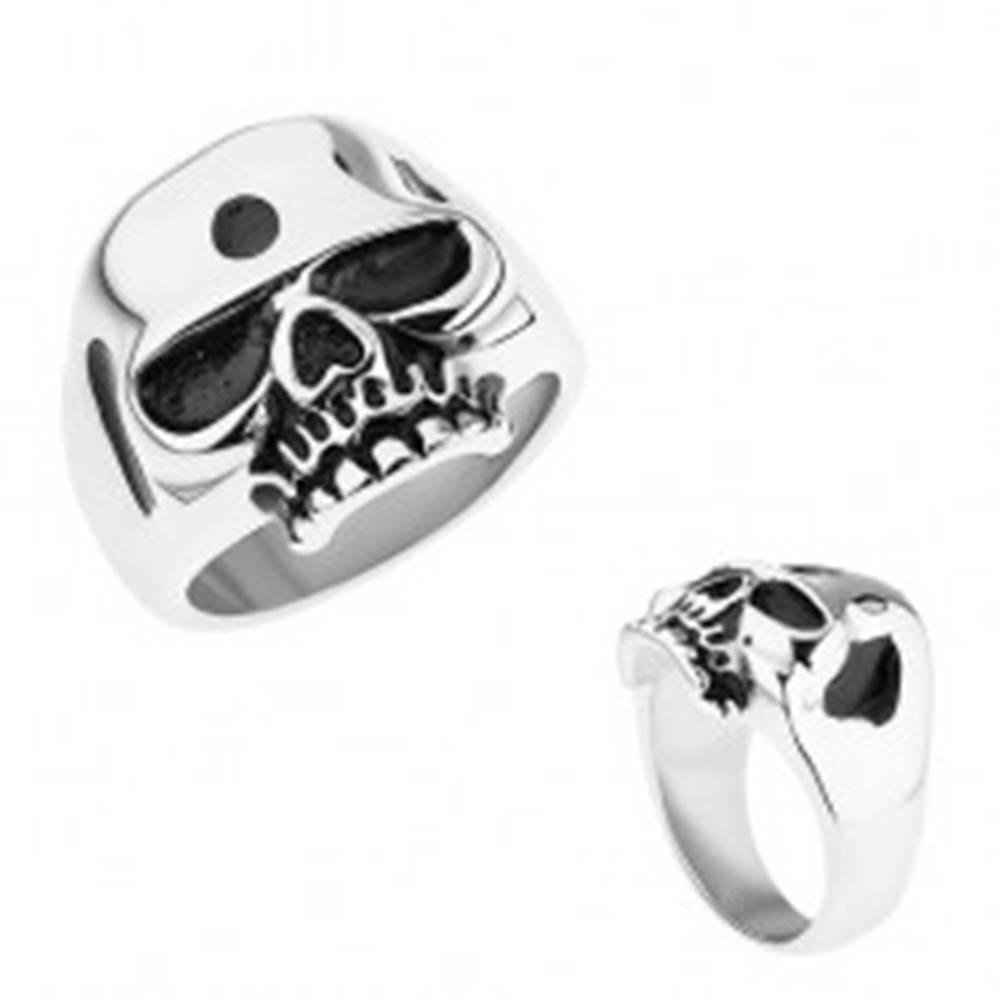 Šperky eshop Prsteň z ocele 316L, strieborná farba, lesklá lebka, patinované časti - Veľkosť: 56 mm
