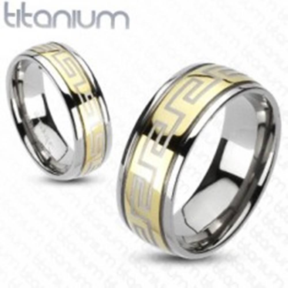 Šperky eshop Prsteň z titánu - zlatá a strieborná farba, grécky motív - Veľkosť: 49 mm