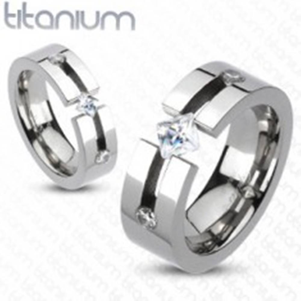 Šperky eshop Titánový prsteň - výrez, štvorcový a okrúhle zirkóny - Veľkosť: 50 mm