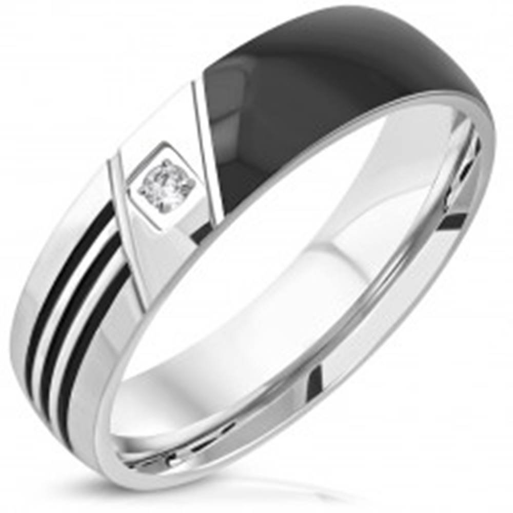 Šperky eshop Obrúčka z ocele 316L - čierna polovica, tri zárezy, číry okrúhly zirkón, 6 mm - Veľkosť: 52 mm