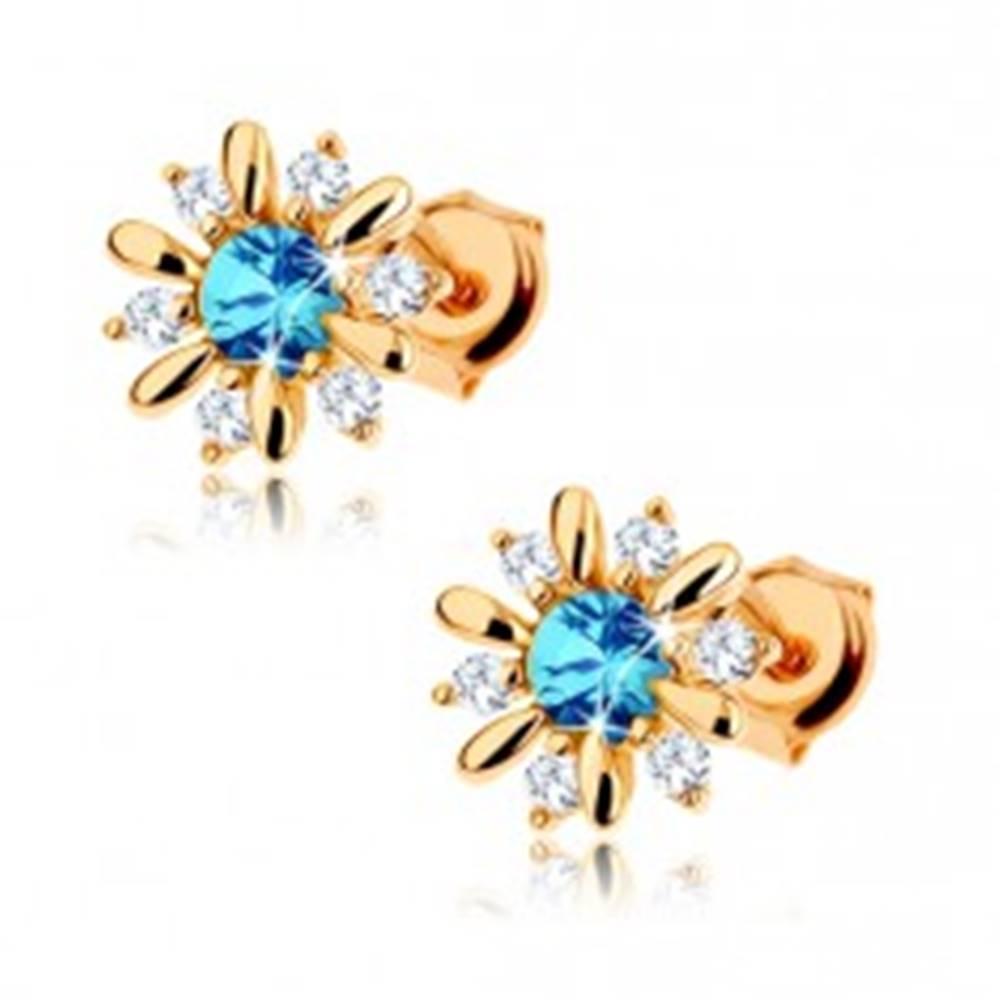Šperky eshop Náušnice zo žltého 9K zlata - kvietok zdobený modrým topásom a čírymi zirkónmi