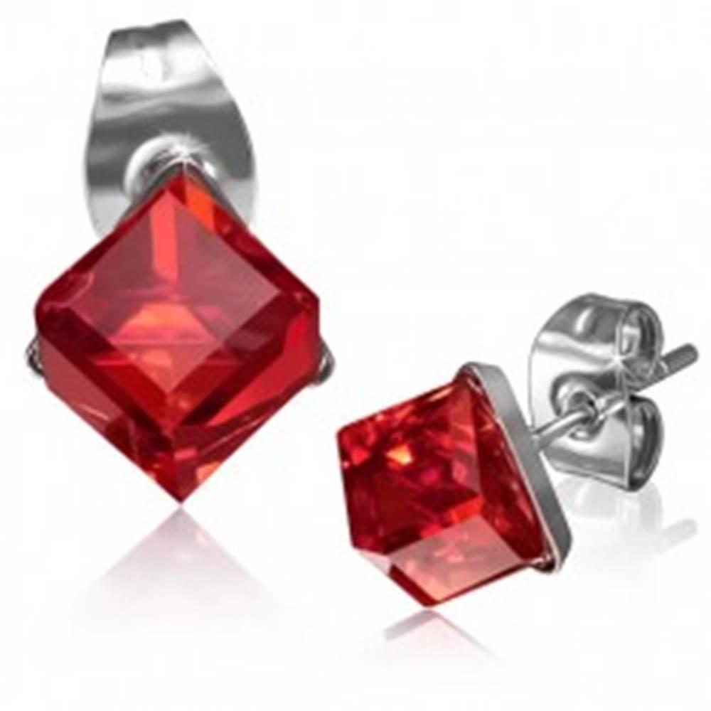 Šperky eshop Lesklé oceľové náušnice - kocka z červeného zirkónu