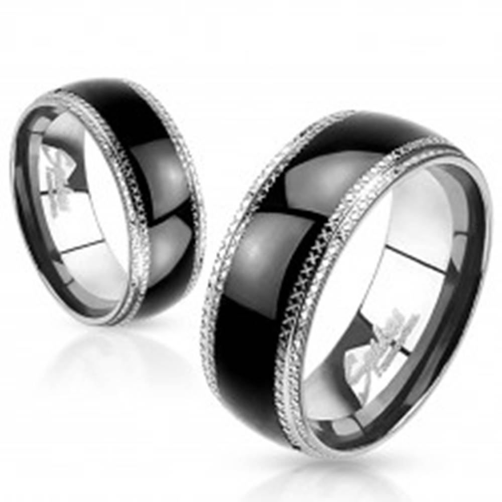 Šperky eshop Obrúčka z ocele 316L, vrúbkované okraje, lesklý zaoblený čierny pás, 8 mm - Veľkosť: 59 mm