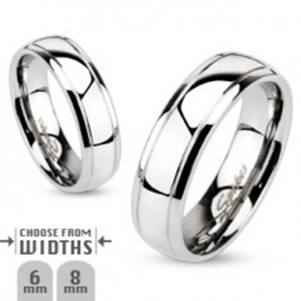Šperky eshop Obrúčka z chirurgickej ocele, dva gravírované pásy, strieborná farba, 8 mm - Veľkosť: 59 mm
