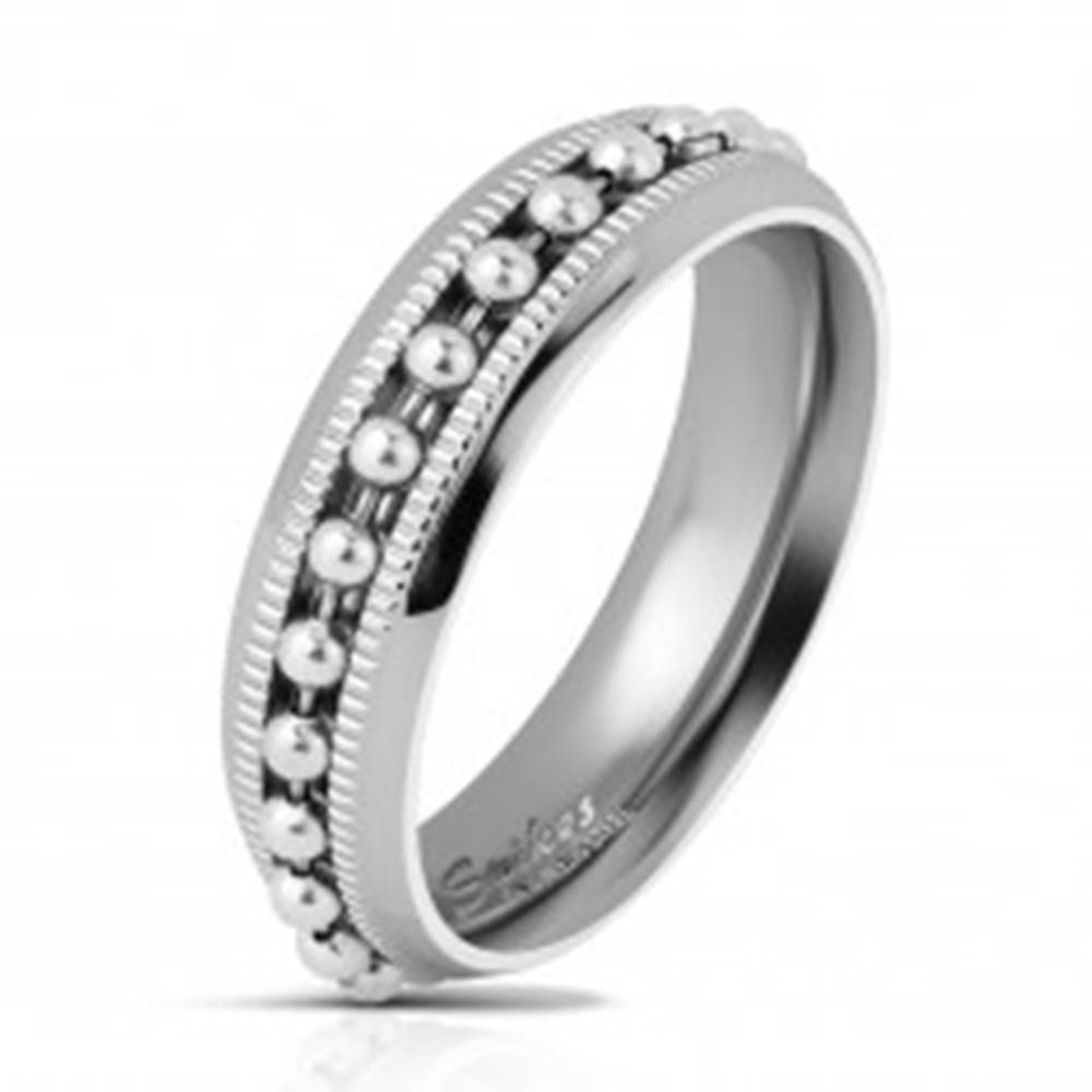 Šperky eshop Lesklý oceľový prsteň striebornej farby, guličková retiazka, vrúbkované línie, 6 mm - Veľkosť: 49 mm