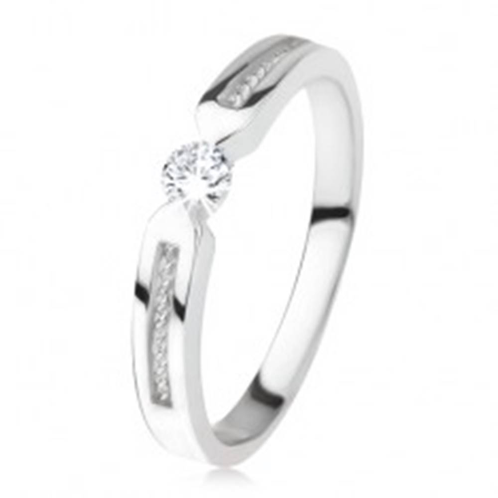 Šperky eshop Lesklý prsteň zo striebra 925, číry zirkón, dva pásy, špirála - Veľkosť: 45 mm