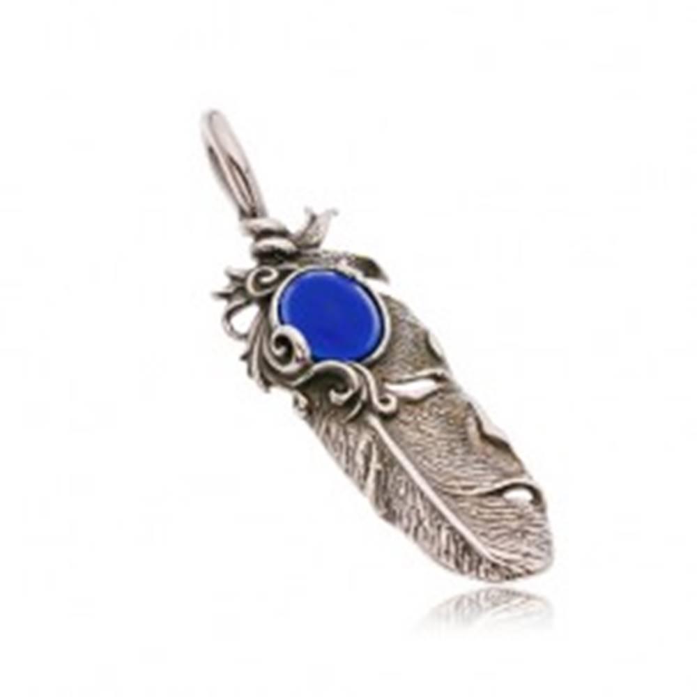 Šperky eshop Oceľový patinovaný prívesok, indiánske pierko a oválny modrý kamienok