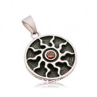 Okrúhly patinovaný prívesok z ocele 316L, symbol slnka s červeným zirkónom