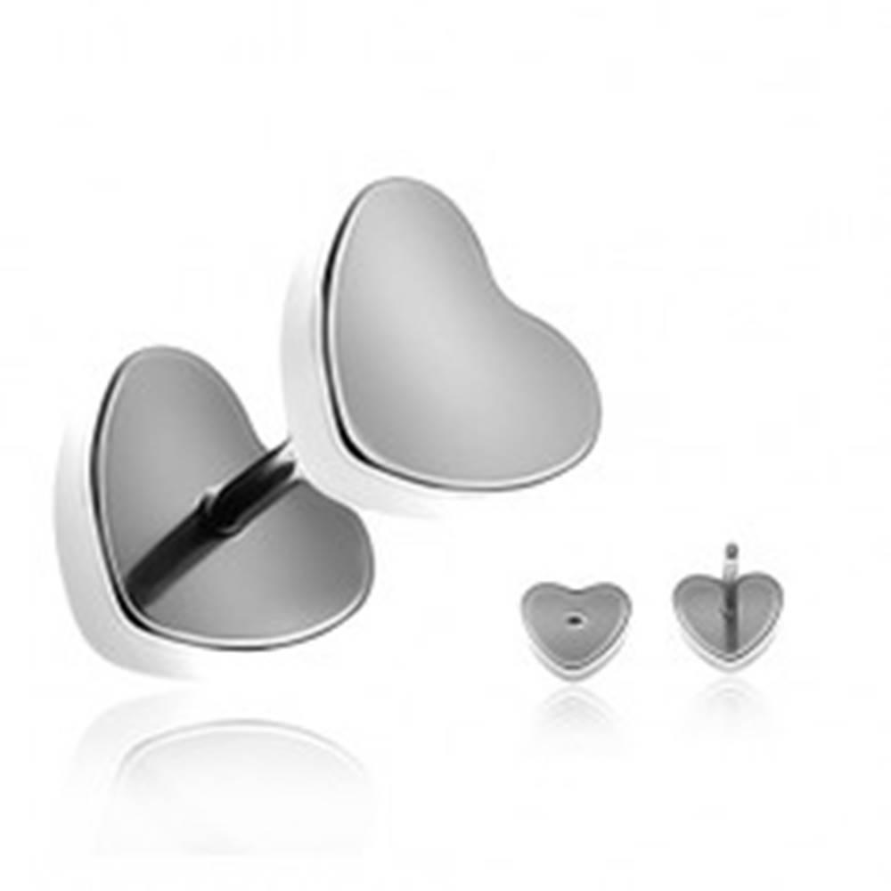 Šperky eshop Oceľový fake plug do ucha - matné symetrické srdce