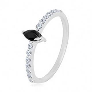 Strieborný 925 prsteň - úzke ramená, zirkónové zrnko čiernej farby, číre zirkóniky - Veľkosť: 49 mm