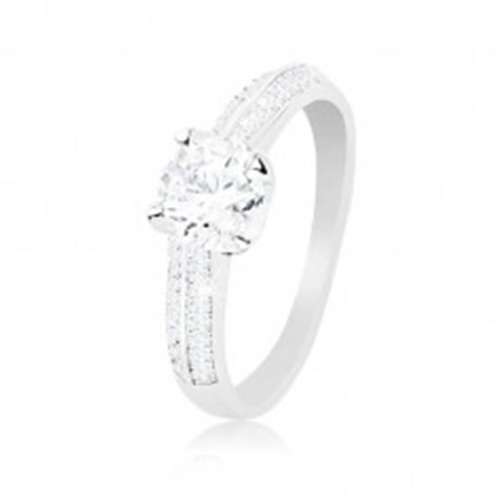 Šperky eshop Zásnubný prsteň, striebro 925, zdobené ramená, číry vyvýšený zirkón - Veľkosť: 51 mm