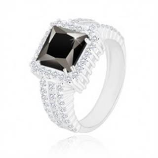 Strieborný prsteň 925 - čierny zirkónový štvorec, číry zirkónový lem a ramená - Veľkosť: 49 mm